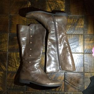 BORN Knee-High Leather Riding Boots